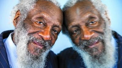 ct-dick-gregory-promontory-chicago-20150409
